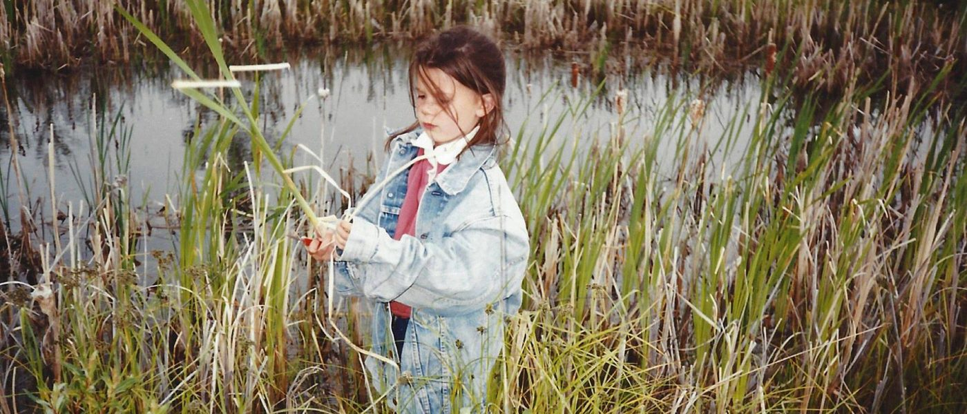 la preuve que Lauren s'intéressait aux milieux humides dès son plus jeune âge : la voici à l'âge de 6 ans. Elle s'amuse toujours autant dans les milieux humides.